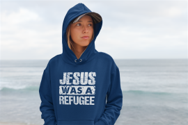 pullover-hoodie-mockup-of-a-serious-woman-standing-at-the-beach-26829